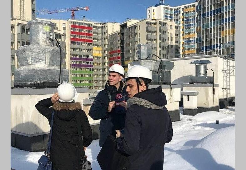 Экскурсия студентов на строительную площадку СК