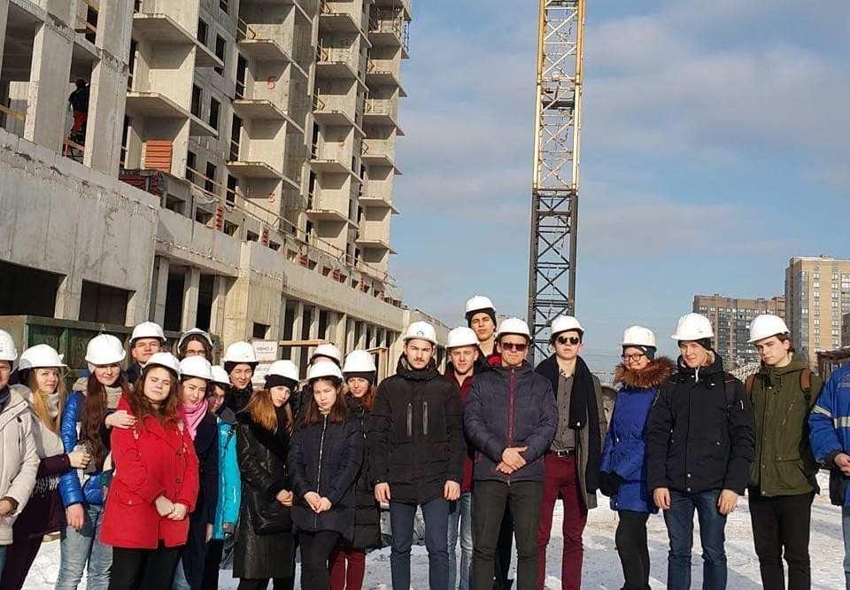 Экскурсия студентов на строительную площадку ЖК
