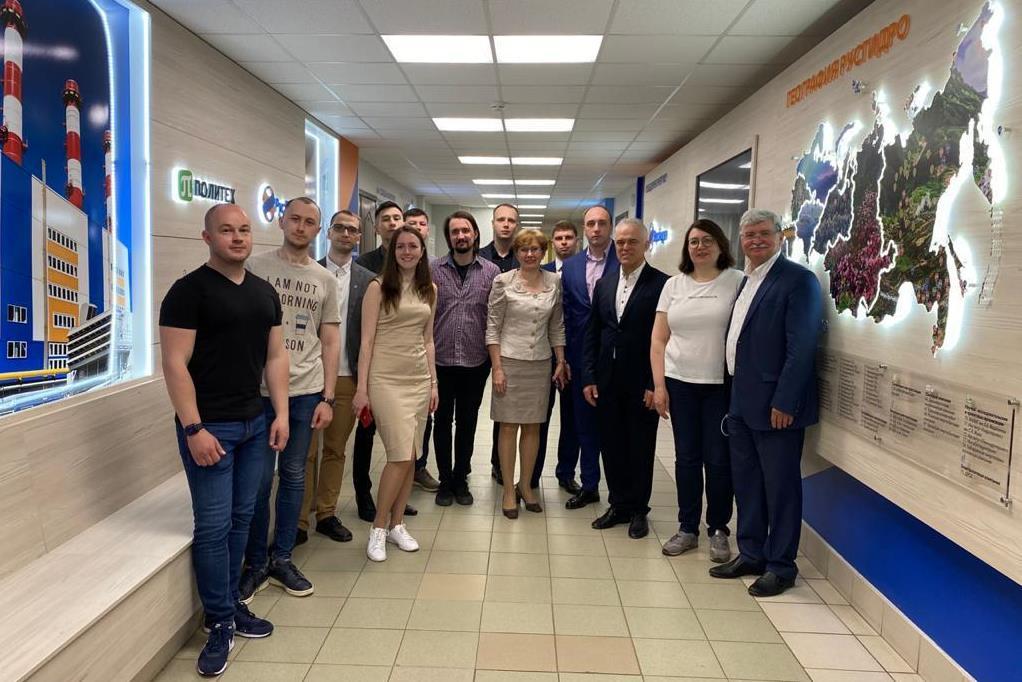 ИСИ посетила делегация ПАО